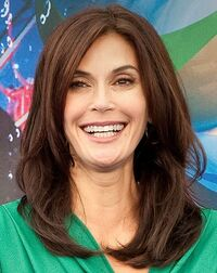 475px-Teri Hatcher- World of Color Premiere 21