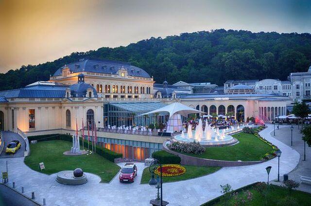 File:RealWorld Kaiser Franz Casino.jpg