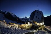 RealWorld Hotel Monte Rosa (Night)
