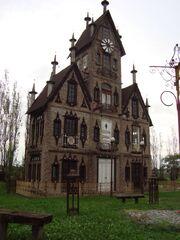 RealWorld Eerie Estate