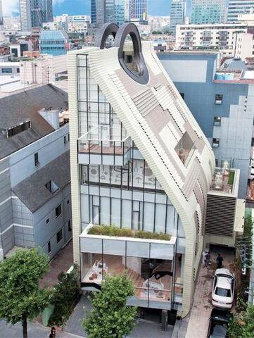 File:Simone Handbag Museum.jpg