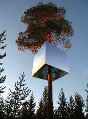 RealWorld Mirrorcube Hotel