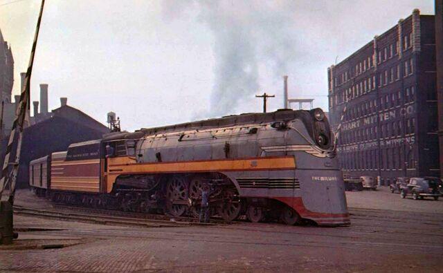 File:RealWorld Milwaukee Locomotive Arch.jpg