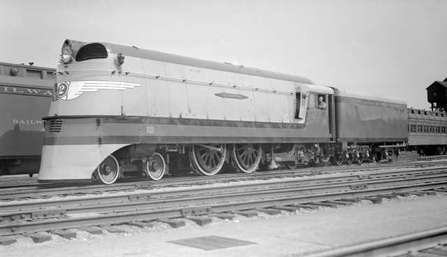 File:RealWorld Mallard Locomotive Arch.jpg