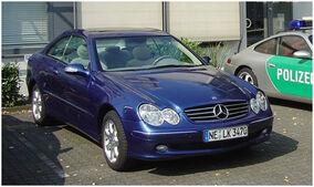Mercedes-Benz W209 1