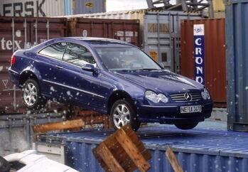 Mercedes-Benz W209 3