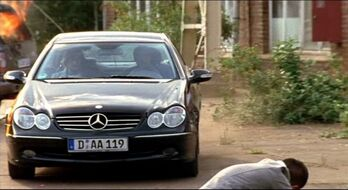 Mercedes-Benz W209 4