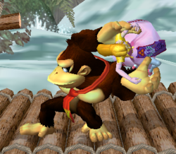 Lanzamiento trasero de Donkey Kong (3) SSBM