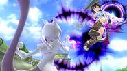 Mewtwo usando su lanzamiento hacia adelante contra Pit en Circuito Mario SSB4 (Wii U)