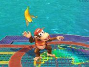 Diddy Kong usando monda de plátano SSBB