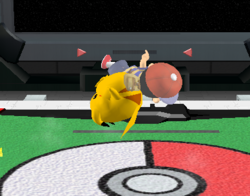 Lanzamiento hacia abajo de Pikachu (3) SSBM