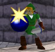 Link sosteniendo una bomba SSB