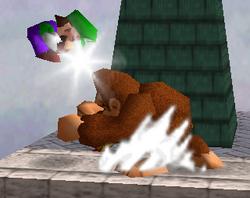 Lanzamiento trasero de Donkey Kong SSB