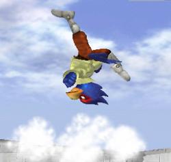 Ataque Smash hacia arriba de Falco SSBM