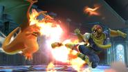 Captain Falcon atacando a Charizard en la Liga Pokémon SSB4 (Wii U)