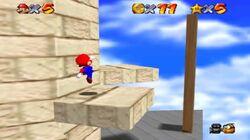 Plataforma movil en Whomp's Fortress en Super Mario 64