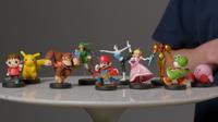 Múltiples figuras amiibo con apariencia de luchadores de Super Smash Bros