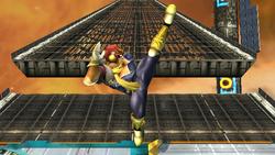 Ataque Smash hacia arriba Captain Falcon SSBB (2)