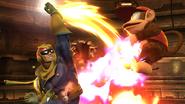 Captain Falcon atacando a Diddy Kong en la Pirosfera SSB4 (Wii U)