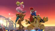 Peach y Mario usando el salto banqueta sobre Samus y Bowser SSB4 (Wii U)