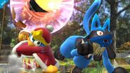 Lucario junto al Rey Dedede en Vergel de la esperanza (Wii U)