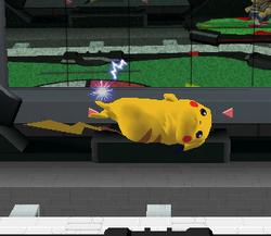 Ataque aéreo hacia adelante de Pikachu SSBM