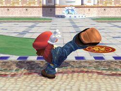 Ataque fuerte lateral hacia arriba Mario SSBB