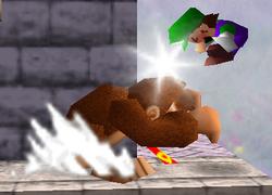 Lanzamiento delantero de Donkey Kong SSB