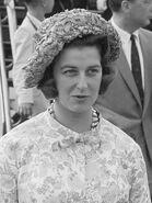 Elizabeth Van Draak 3