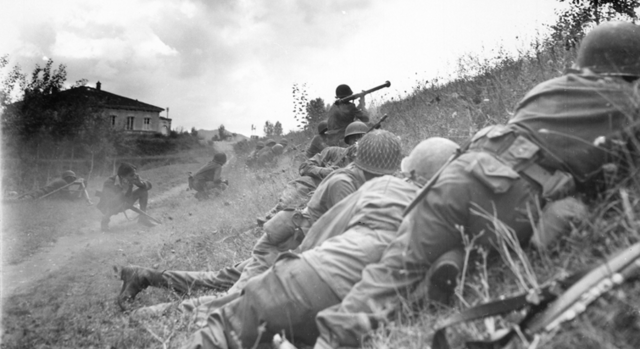 Bestand:Luccaitaly1944 short.PNG