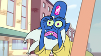 S2E5 Glossaryck makes binoculars with his hands