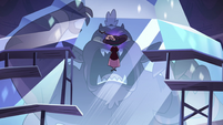S4E23 Eclipsa floating in front of frozen Globgor