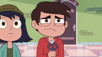 S3E23 Marco Diaz tightly holding his scissors