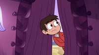 S4E12 Marco Diaz entering Kelly's house
