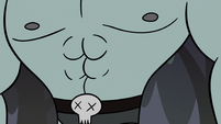 S2E12 Close-up of Dogbull's abs