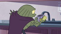 S4E7 Rasticore goes back to washing dishes