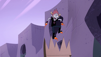 S4E22 Tom Lucitor reaches other side of the jump