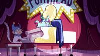 S4E9 Pony Head performing on a piano