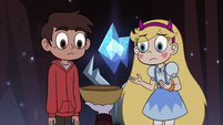 S4E13 Marco and Star look at Star's bowl