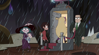 S4E36 Star, Marco, and Eclipsa enter the tavern