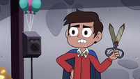 S4E18 Marco takes out his dimensional scissors