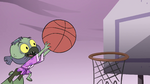S4E14 Dennis carries Ludo to the hoop