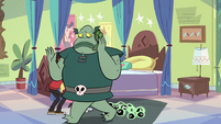 S2E11 Buff Frog takes a mirror phone call