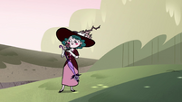S4E23 Eclipsa puts tiny Globgor on her shoulder