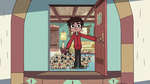 S2E31 Marco Diaz opening the front door