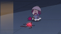 S3E33 Little princess crying next to a ticking bomb