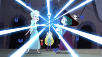 S4E35 Magic wand transforms in Moon's hand