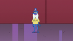S2E25 Glossaryck standing on his feet