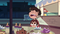 S4E26 Marco 'why hasn't anyone else come by?'