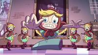 S2E23 Star Butterfly diving toward Toffee's finger